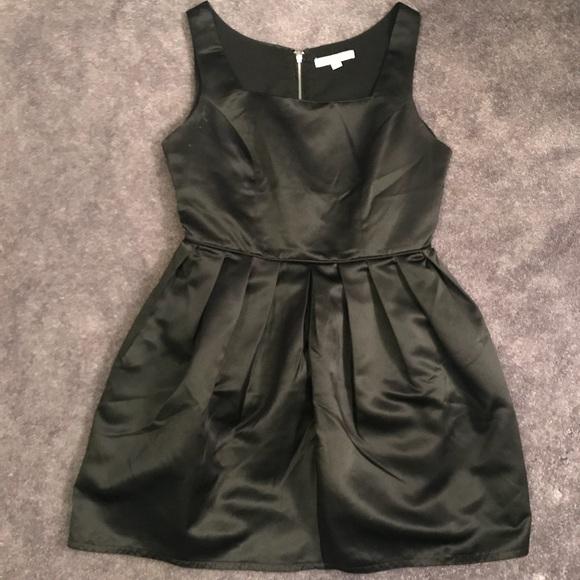 Forever 21 Dresses & Skirts - Black Audrey Hepburn Inspired Dress Size L